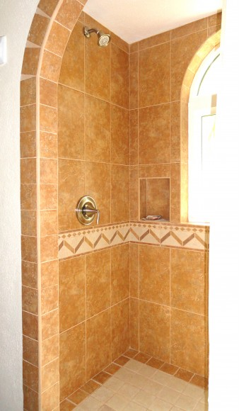 Beautifully tiled shower.
