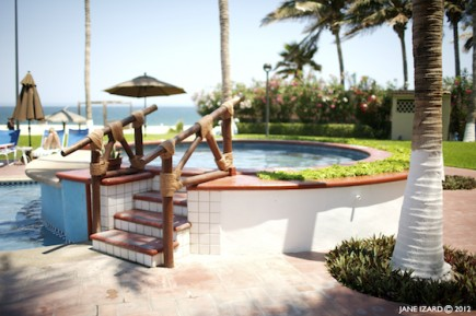 Poolside hot-tub_2