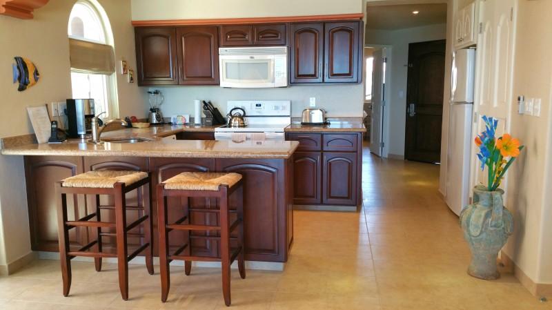Modern & attractive kitchen.